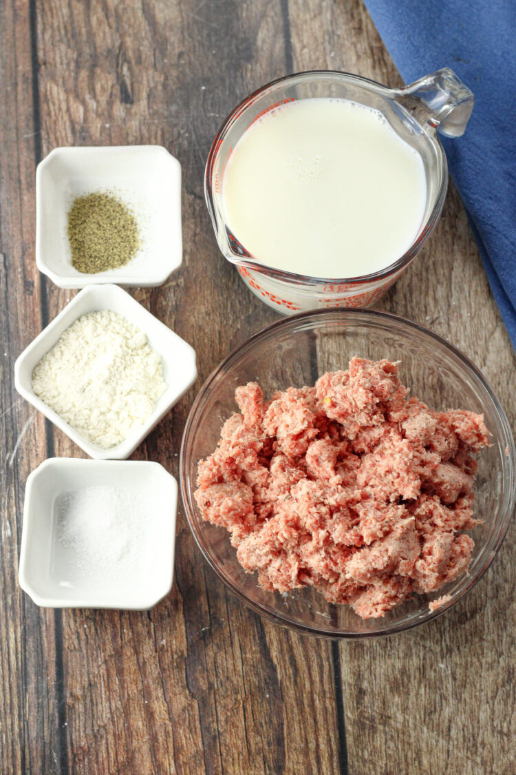 ingredients for sausage gravy