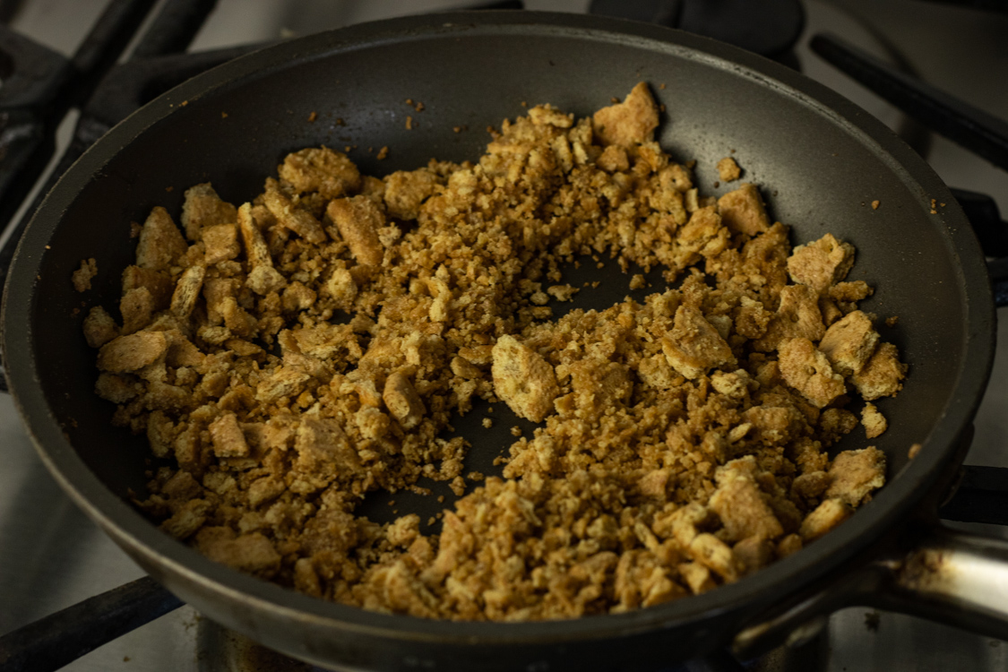 graham cracker crumb topping