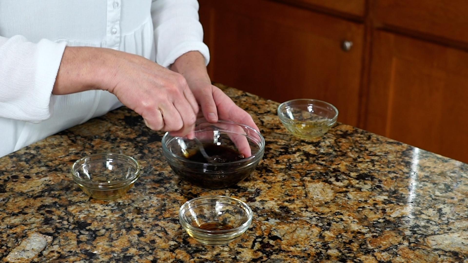 making balsamic glaze